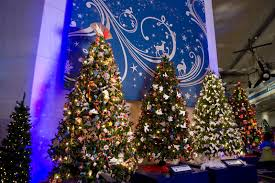 bring the family to chicago for the wondrous holiday show christmas around the world and holiday of light at museum of science and industry november - Christmas Around The World Chicago